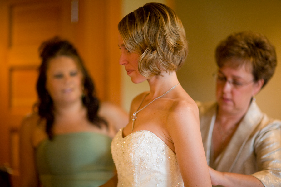 wedding pictures at willows lodge by photo elan